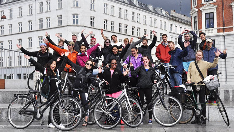 students with bikes in the Netherlands