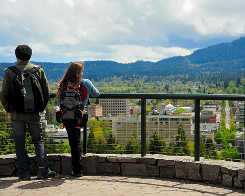 two people view Eugene from Skinner Butte